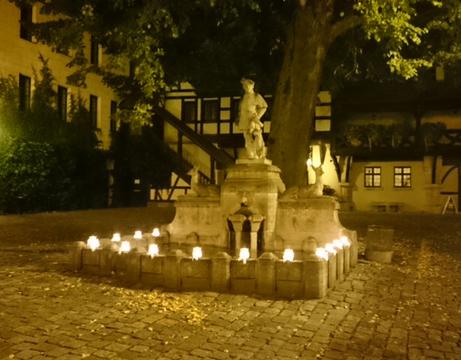 Die Wunscherfuellerin Beleuchtung Brunnen